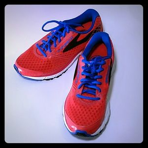 Brooks Launch 3 Womens Running Shoes 8 Medium